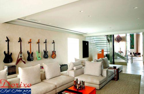 دکوراسیون داخلی با گیتار آکوستیک