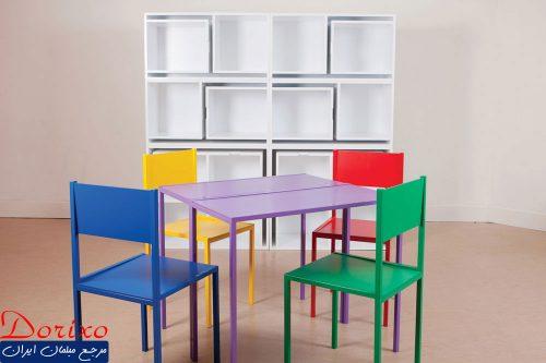 صندلی و میزهای قفسه بندی